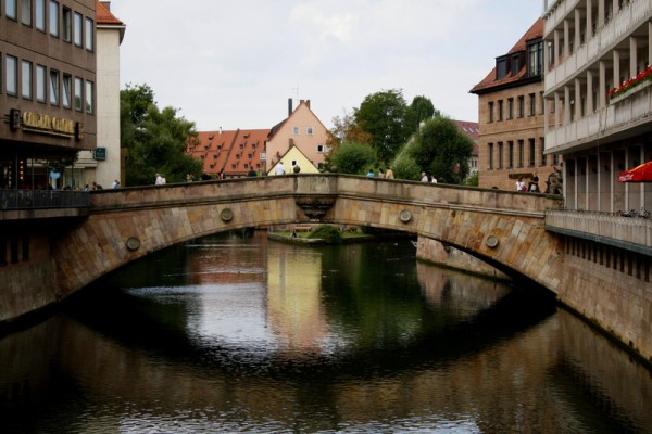 I just love all the fun bridges in this part of Europe!