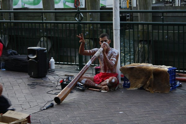 The didgeridoo sounds so cool!